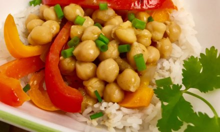 Trader Joe's Thai Green Curry with Peppers & Chickpeas