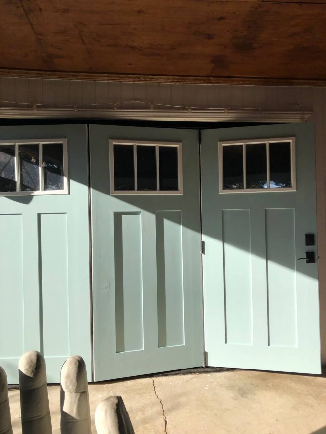 Accordion garage doors